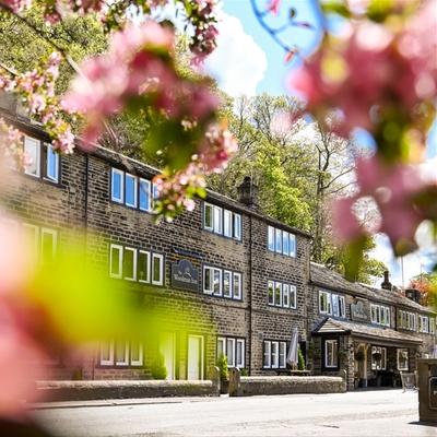 Huddersfield venue Woodman Inn offers roadmap-proof weddings